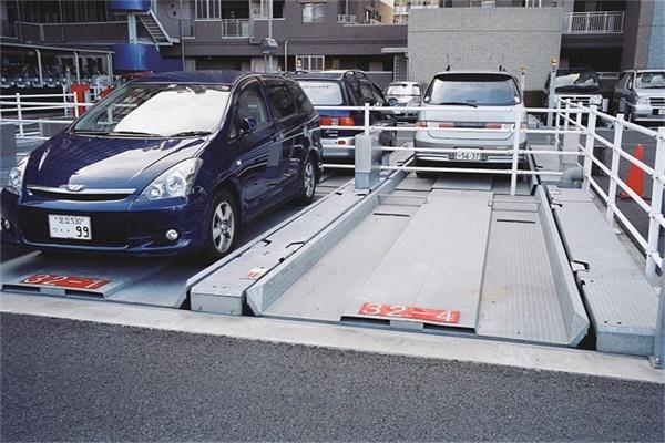 日本简易升降车库2